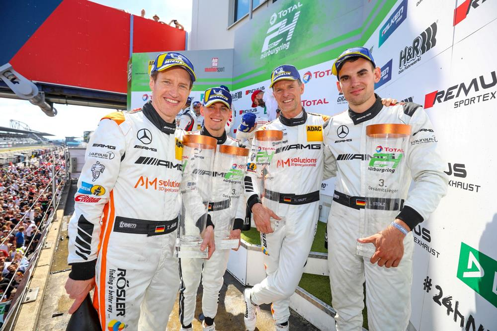 Luca Stolz fährt bei den 24h Nürburgring erneut auf das Gesamtpodium