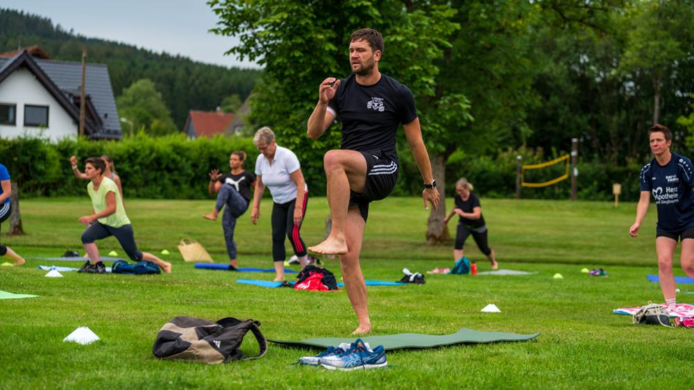 Healthy Sunday im Naturfreibad – Fitness-Frühschoppen in Müsen